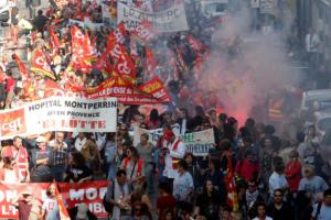Χιλιάδες στους δρόμους της Γαλλίας ενάντια στην πολιτική του Μακρόν [pics]