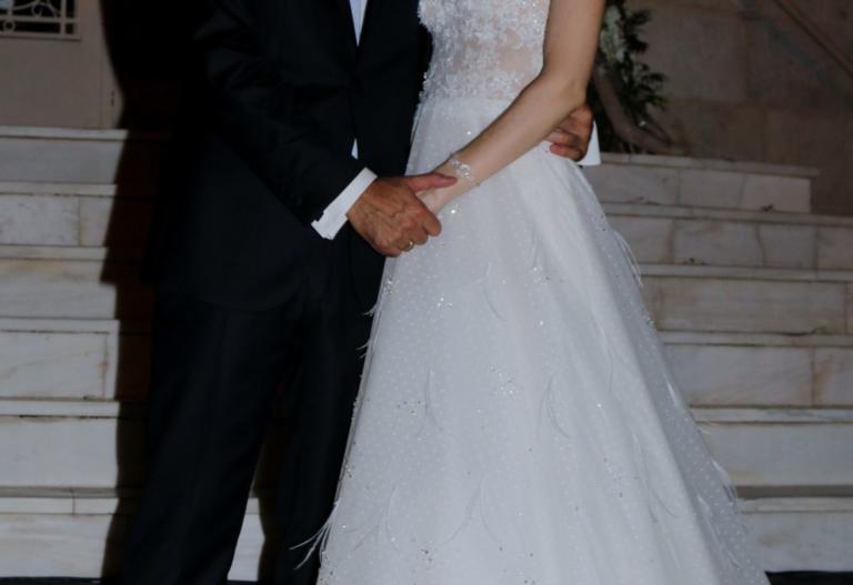 """Απίστευτη υπόθεση στη Χαλκίδα! Παντρεμένος γιατρός με παιδιά… έκανε γάμο """"μαϊμού"""" με την ερωμένη του!   Newsit.gr"""
