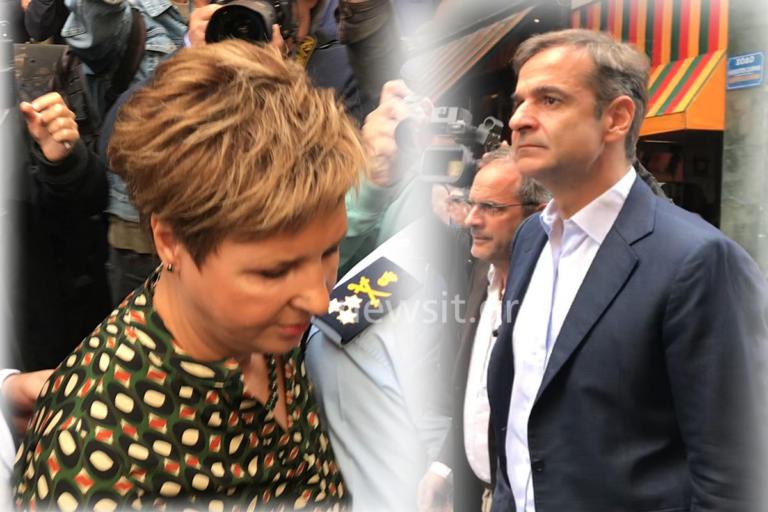 Όλγα Γεροβασίλη και Κυριάκος Μητσοτάκης στο ΑΤ Ομονοίας | Newsit.gr