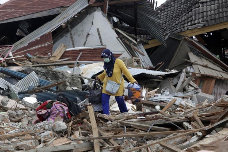Τραγωδία στην Ινδονησία – 22 άνθρωποι νεκροί από πλημμύρες | Newsit.gr