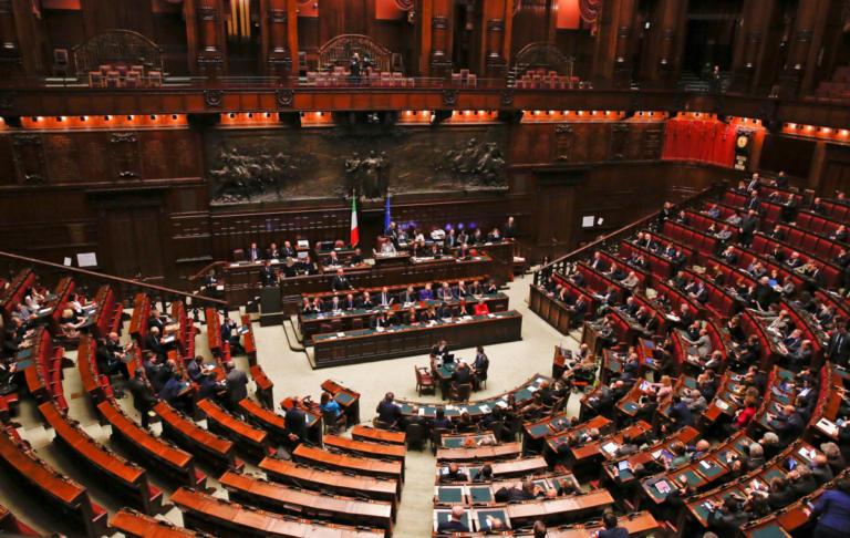 """Απειλές Ντι Μάιο στην ΕΕ για τον ιταλικό προϋπολογισμό – """"Σε έξι μήνες αυτή η Ευρώπη θα έχει τελειώσει""""   Newsit.gr"""