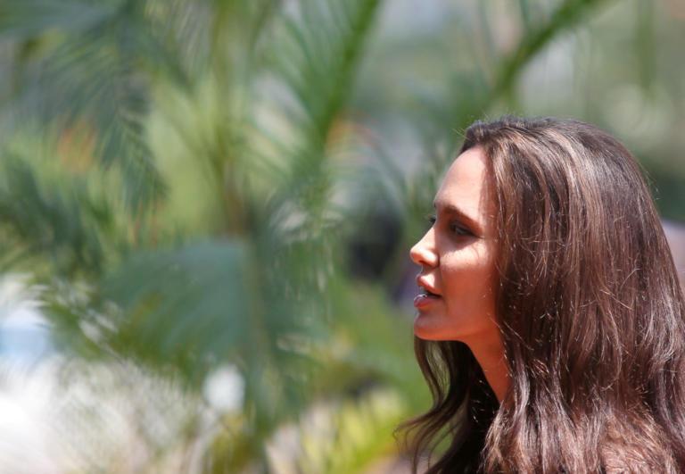 Σε ελληνικό νησί έζησαν τον έρωτά τους η Angelina Jolie και διάσημος ηθοποιός! | Newsit.gr