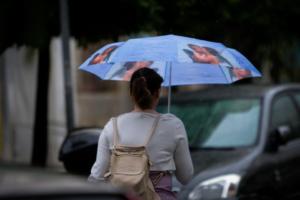 Καιρός: Συννεφιασμένη Κυριακή – Που θα χρειαστούμε ομπρέλες