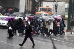 Καιρός: Κυριακάτικη μουντάδα  – Που θα βρέξει