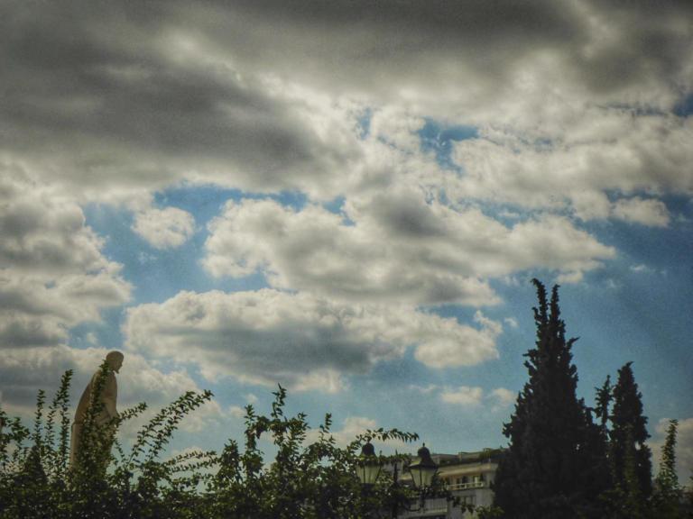 Καιρός: Βοριάδες έως 8 μποφόρ και τοπικές βροχές | Newsit.gr