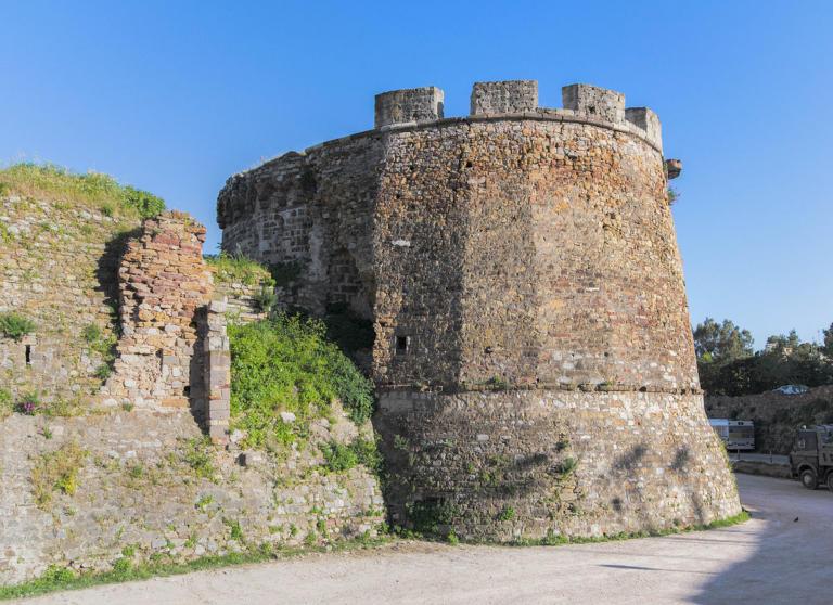 Ολοκληρώνεται το έργο της αποκατάστασης μέρους του τείχους του Κάστρου της Χίου | Newsit.gr