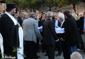 """Το τελευταίο """"αντίο"""" στον Βαγγέλη Πολύζο είπαν συγγενείς και φίλοι στον Κολινδρό"""
