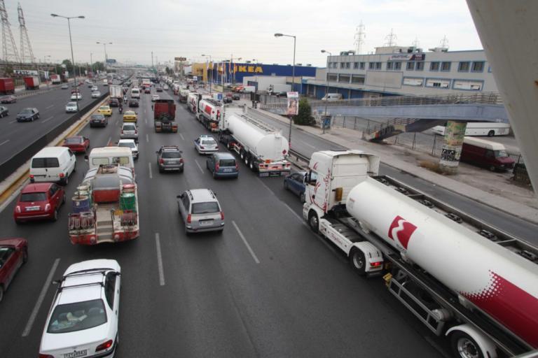 Καραμπόλα έξι αυτοκινήτων στον Κηφισό!   Newsit.gr