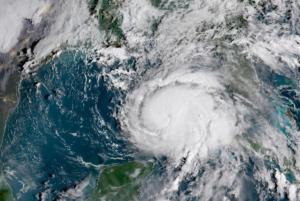 Τρόμος ξανά στην Φλόριντα! Πλησιάζει ο κυκλώνας Μάικλ με 155 χιλιόμετρα την ώρα