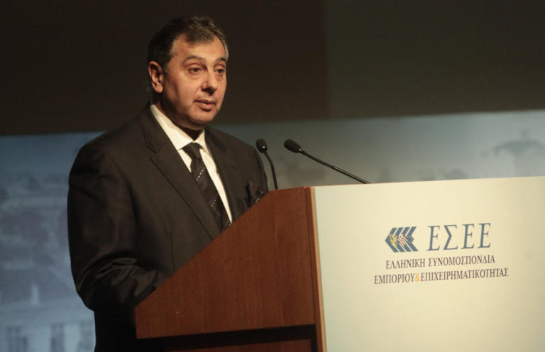 Αποχωρεί από τη θέση του προέδρου της ΕΣΕΕ ο Βασίλης Κορκίδης | Newsit.gr
