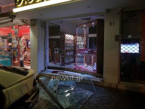 Η στιγμή της εισβολής σε κοσμηματοπωλείο στο Παλαιό Φάληρο