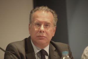 Κουμουτσάκος: Η συνταγματική αναθεώρηση στα Σκόπια κάνει ακόμη χειρότερη τη συμφωνία των Πρεσπών!