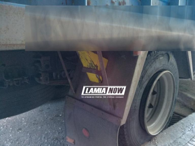 Απίστευτο! Σιδερένιος τάκος από λάστιχο φορτηγού πετάχτηκε και τραυμάτισε γυναίκα!   Newsit.gr