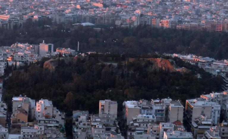 Μυστήριο στον λόφο του Στρέφη – Βρέθηκε όπλο μέσα σε σκουπίδια! | Newsit.gr