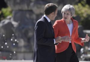 Μακρόν σε Μέι: Δεν υπάρχει άλλη συμφωνία για το Brexit