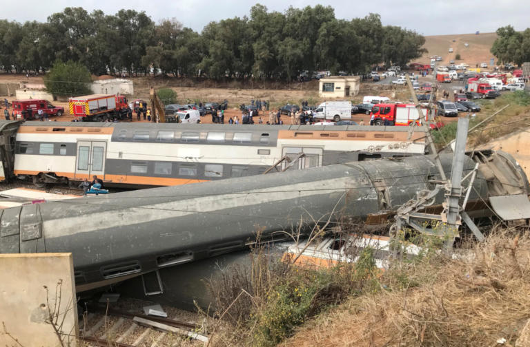 Μαρόκο: Τουλάχιστον 6 νεκροί και 70 τραυματίες από τον εκτροχιασμό τρένου [pics] | Newsit.gr