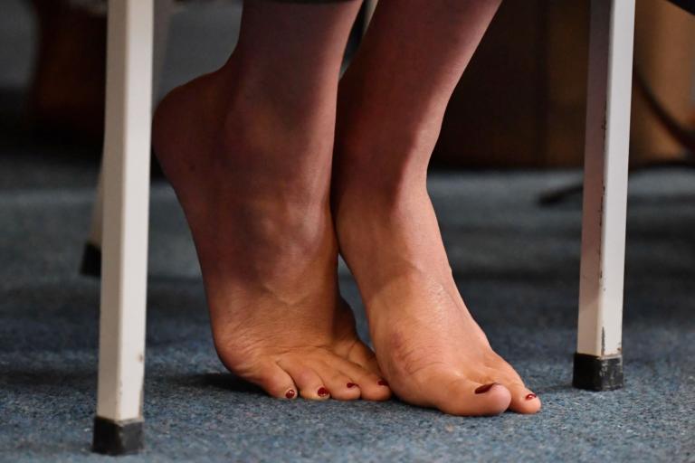 Μέγκαν Μαρκλ: Ξυπόλητη και σούπερ σταρ! Απόλυτη πρωταγωνίστρια στον Ειρηνικό! [pics]   Newsit.gr