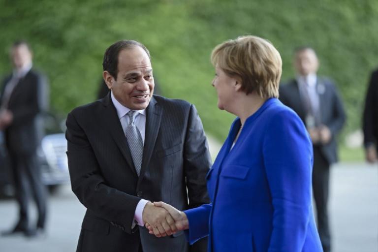 Στο Βερολίνο ο Πρόεδρος της Αιγύπτου – Επαφές με Μέρκελ για μεταναστευτικό και τρομοκρατία | Newsit.gr