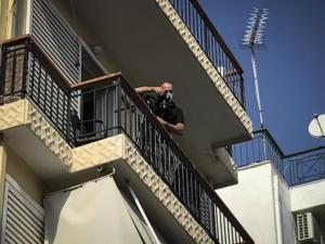 Νέα στοιχεία για την «περίεργη» υπόθεση με τον αστυνομικό στη Νίκαια: Οι Πακιστανοί είχαν σημάδια από δέσιμο στα χέρια τους