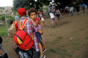 Μεξικό: Άνοιξαν τα σύνορα για το «καραβάνι» μεταναστών