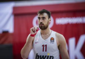 "Euroleague: ""Ερυθρόλευκο"" χρώμα στο Top 10! Μέσα ο Μιλουτίνοφ – video"