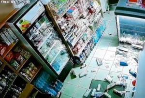 Σεισμός στη Ζάκυνθο: Τα βίντεο του τρόμου! Η στιγμή που τα ρίχτερ χτυπούν το νησί – video