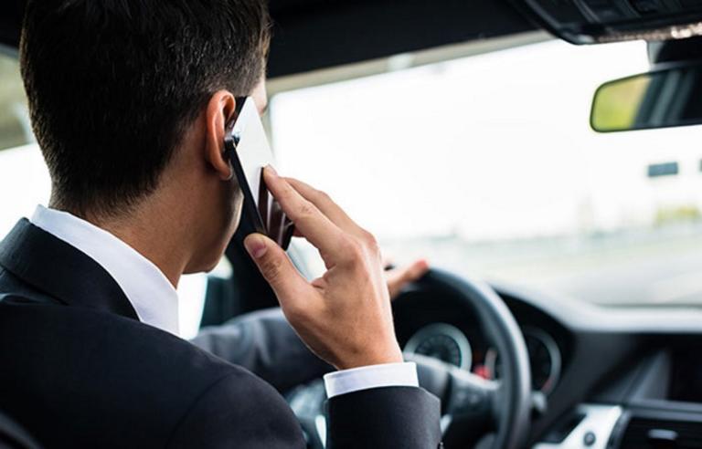 """""""Ένα"""" με το κινητό οι οδηγοί στην Αττική – Πάνω από 400 παραβάσεις μέσα σε τρεις μέρες   Newsit.gr"""