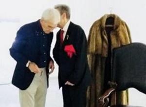 Θεσσαλονίκη: Ο Γιάννης Μπουτάρης υπέγραψε σύμφωνο συμβίωσης – «Από εδώ η γυναίκα μου» [pics]