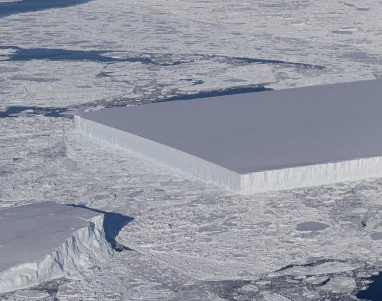 Παγόβουνο σαν… γιγάντιο παγάκι φωτογράφησε η NASA   Newsit.gr