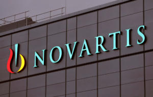 Οργή Ράικου για δημοσιεύματα που εμπλέκουν το σύζυγό της με τη Novartis