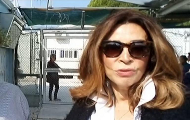 Η Μιμή Ντενίση στους πρόσφυγες της Μόριας – video   Newsit.gr