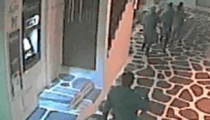 Μύκονος: Το ντοκουμέντο άγριου ξυλοδαρμού για τον οποίο κατηγορούνται αστυνομικοί – video