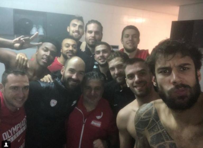 Ολυμπιακός: Η πανηγυρική selfie του Σπανούλη στα αποδυτήρια [pic] | Newsit.gr
