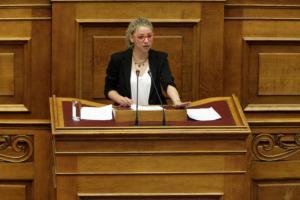 Κοζάνη: Έξαλλη η βουλευτής Τρικάλων διαψεύδει πως πήρε δασκάλα δημοτικού στο γραφείο της!
