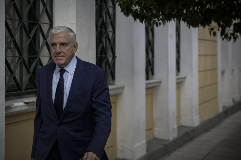 Αντιμέτωπος και με παθητική δωροδοκία ο Γιάννος Παπαντωνίου – Περιμένουν τη Βουλή οι ανακριτές | Newsit.gr