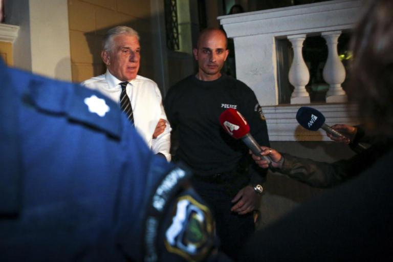 Πολάκης: Γιάννο μου το μαντήλι σου βρέθηκε λερωμένο   Newsit.gr