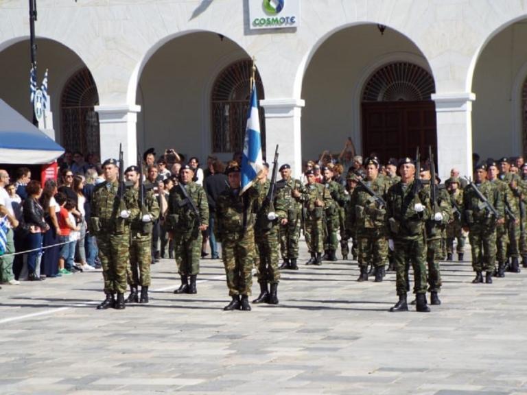 Σύρος: Με λαμπρότητα και περηφάνια η παρέλαση – Πλήθος κόσμου και επισήμων στην Ερμούπολη [pics, video ] | Newsit.gr