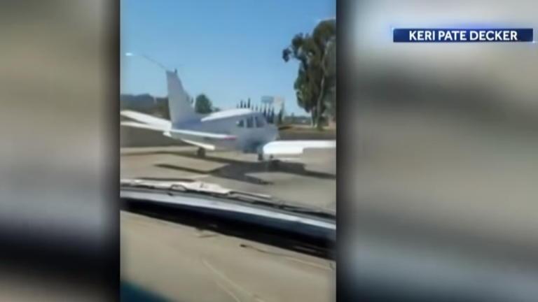 Απίθανο! Πιλότος προσγείωσε αεροπλάνο σε αυτοκινητόδρομο με πυκνή κυκλοφορία! [video] | Newsit.gr