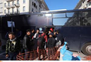 Θεσσαλονίκη: Μεταφέρθηκαν οι πρόσφυγες από την πλατεία Αριστοτέλους