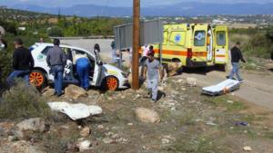 Εύβοια: Τροχαίο με αγωνιστικό αυτοκίνητο – Έφυγε σε στροφή και παρέσυρε θεατή [pics]
