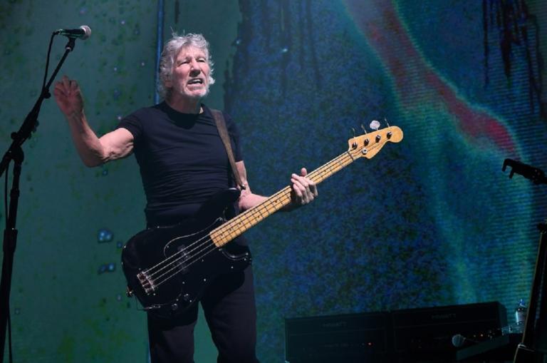 Pink Floyd: Ο «θρύλος» Ρότζερ Γουότερς και η συγκλονιστική ιστορία αυτής της οικογένειας! | Newsit.gr