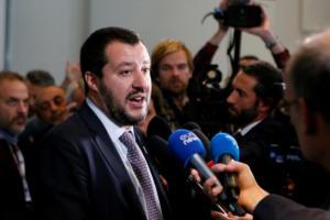 «Ναι μεν… αλλά» από την Ιταλία – Δεν θέλει να βγει από το ευρώ αλλά δεν υποχωρεί