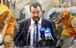 Δεν κάνει πίσω ο Σαλβίνι – «Τα μέτρα δεν θα αλλάξουν»