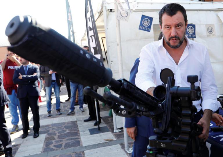 Σαλβίνι κατά Κομισιόν: Είστε προκατειλημμένοι, ο προϋπολογισμός δεν αλλάζει | Newsit.gr