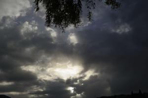 Καιρός: Μπήκε για τα καλά το φθινόπωρο – Που θα βρέξει τη Δευτέρα