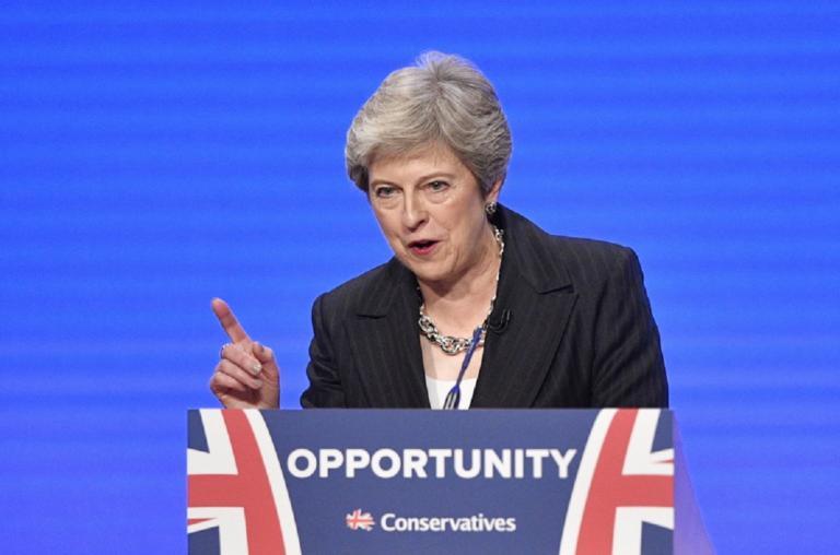 Ευρωεκλογές 2019: Καταποντίζεται η Μέι – Τέταρτη σε δημοσκόπηση! Πρώτος ο Φάρατζ