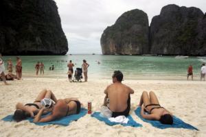 Κλείνει επ' αόριστον η… παραλία του Ντι Κάπριο