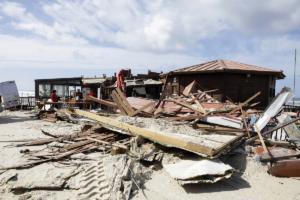 Σάρωσε την Πορτογαλία ο τυφώνας Λέσλι – Τεράστιες καταστροφές σε όλη τη χώρα