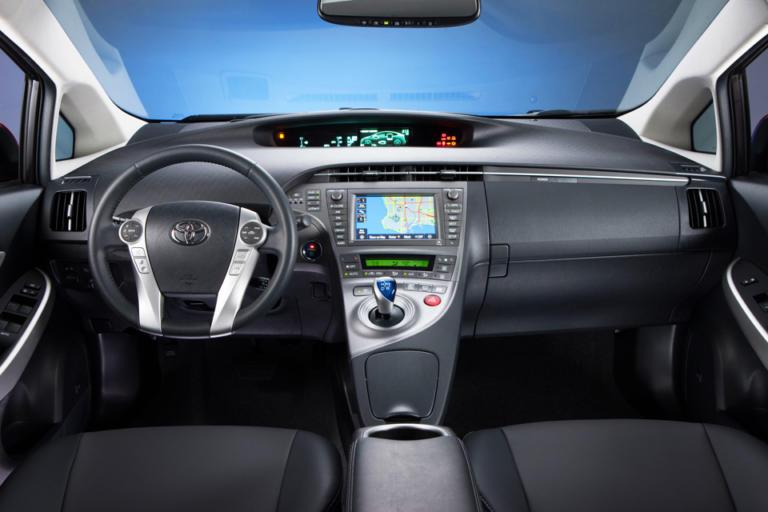 H Toyota ανακαλεί για έλεγχο 1.418 Auris και Prius στην Ελλάδα   Newsit.gr