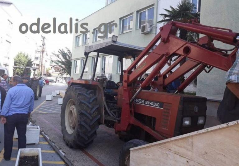Εξοργισμένοι κτηνοτρόφοι έχυσαν γάλα στην Κατερίνη – video | Newsit.gr